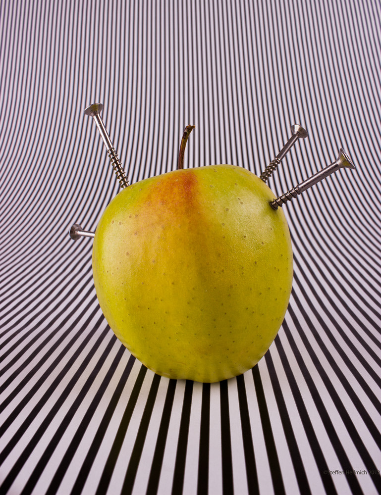 Photograph Apple by Steffen Hellmich on 500px