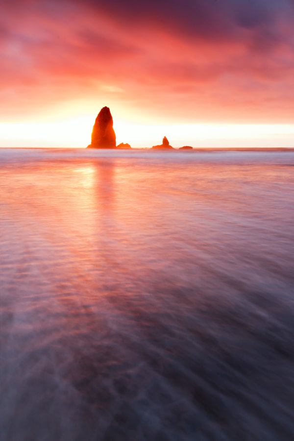 Small Haystack Needle Sunset, Cannon Beach, Oregon, USA