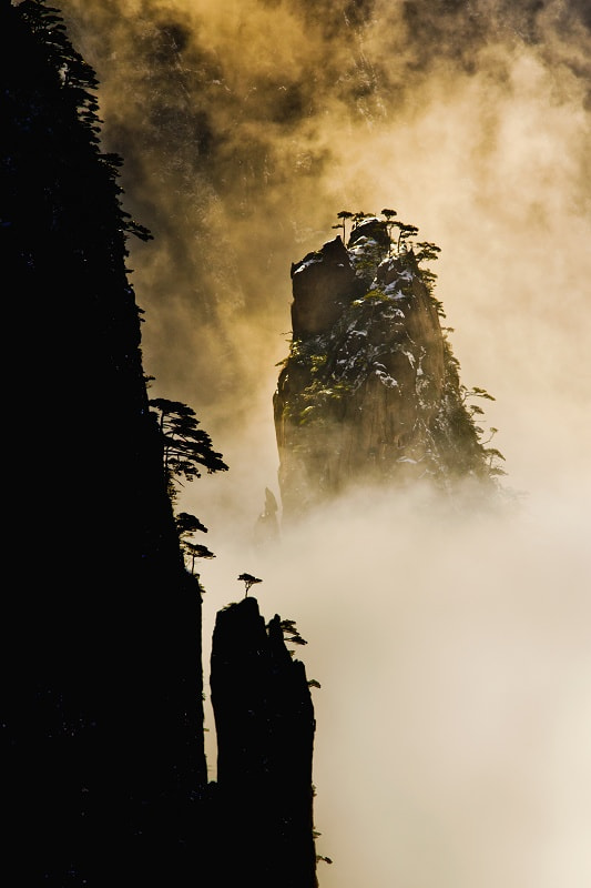 Photograph Mt. Huang by Yifei Wang (王一非) on 500px