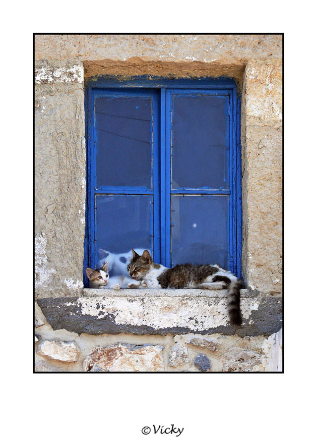 Photograph mom and kids in Greece by Vicky Dens on 500px