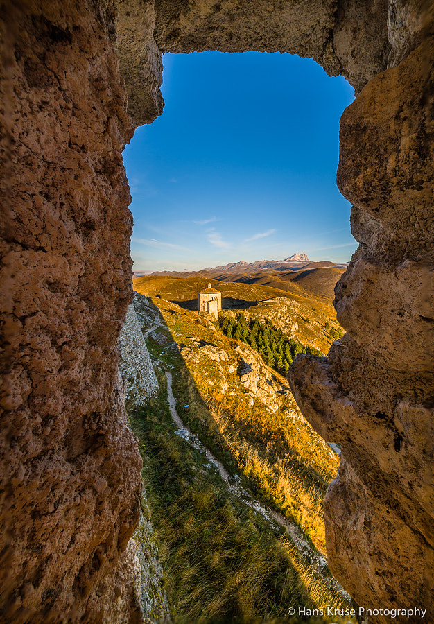 This photo was shot during the Abruzzo October 2011 photo workshop.