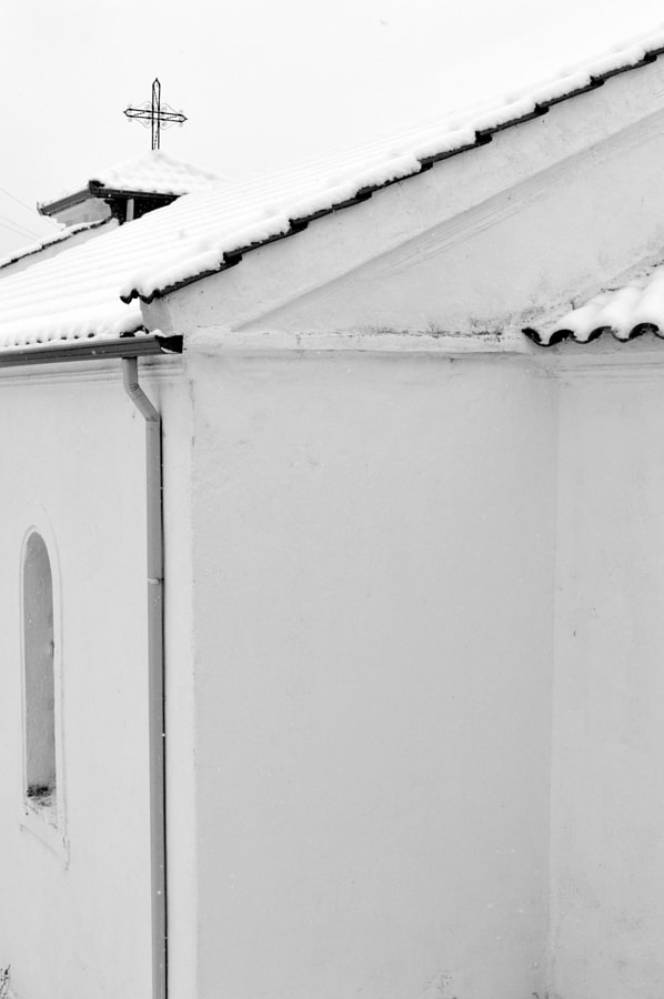 Photograph lines in white by Papanikolaou Joanna on 500px