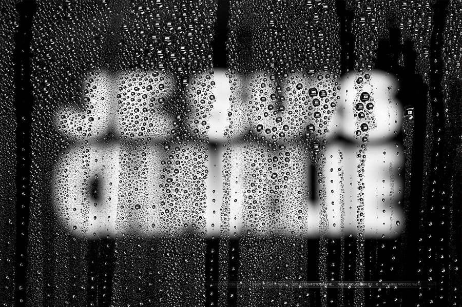 Photograph teardrops for je suis charlie by Rafael Classen on 500px