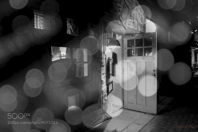 Photograph 店の灯 by Satoru Hori on 500px