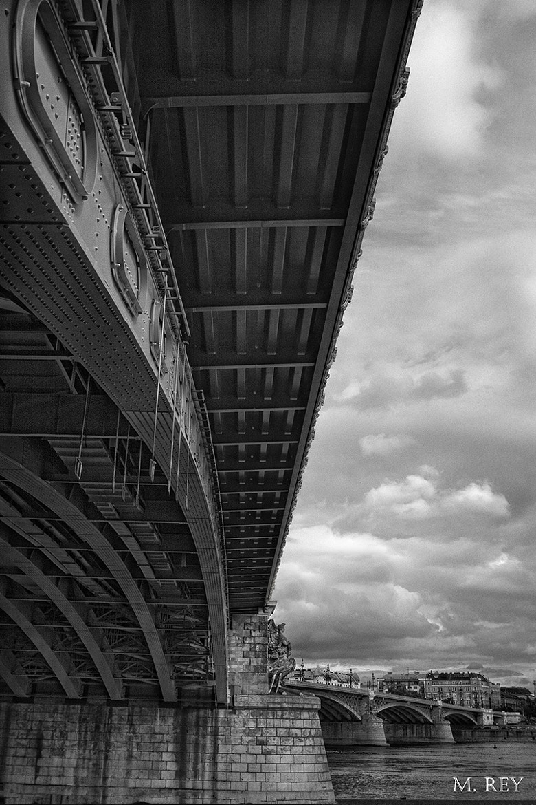 Photograph UNDER THE BRIDGE by Mónica Rey on 500px