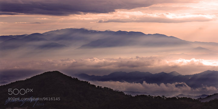 Photograph 晨光,山峦,云海 by SIAH TIONG MENG on 500px