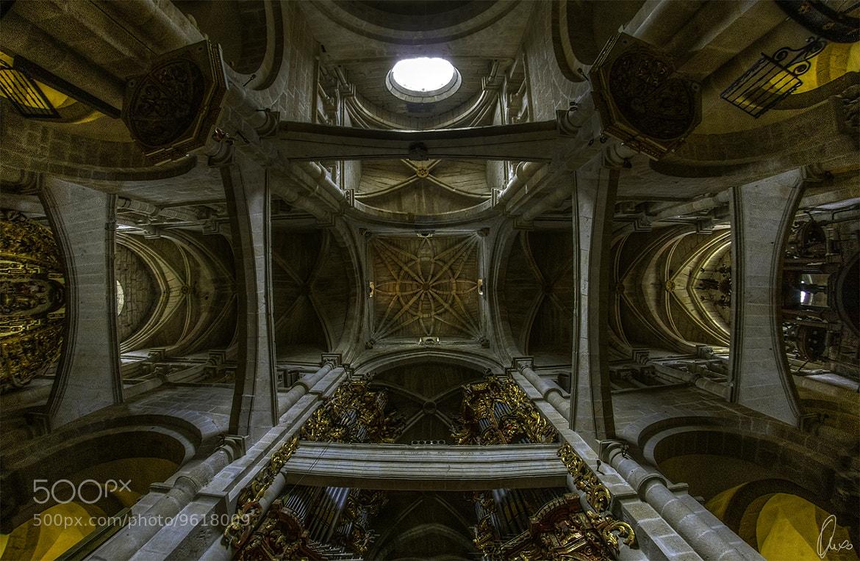 Photograph Tui's transeptum by Ángel Sánchez García on 500px