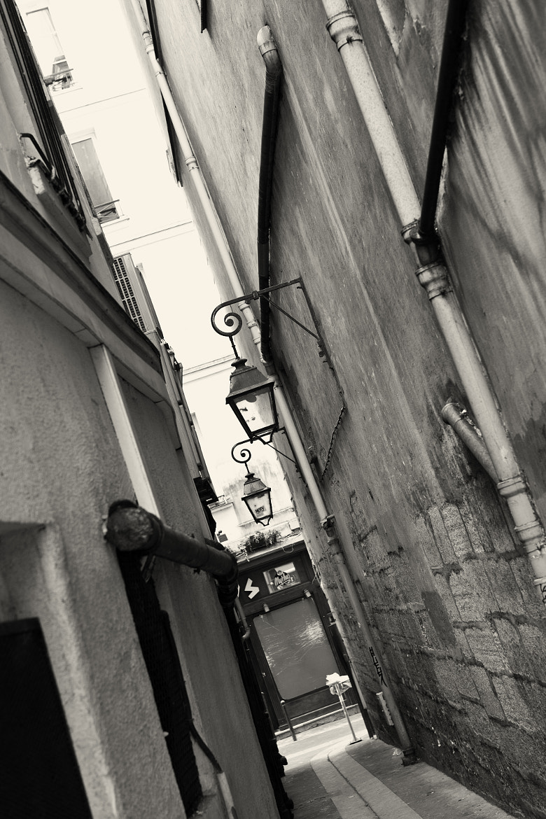 Photograph Alley in Paris by Jessica Christie on 500px