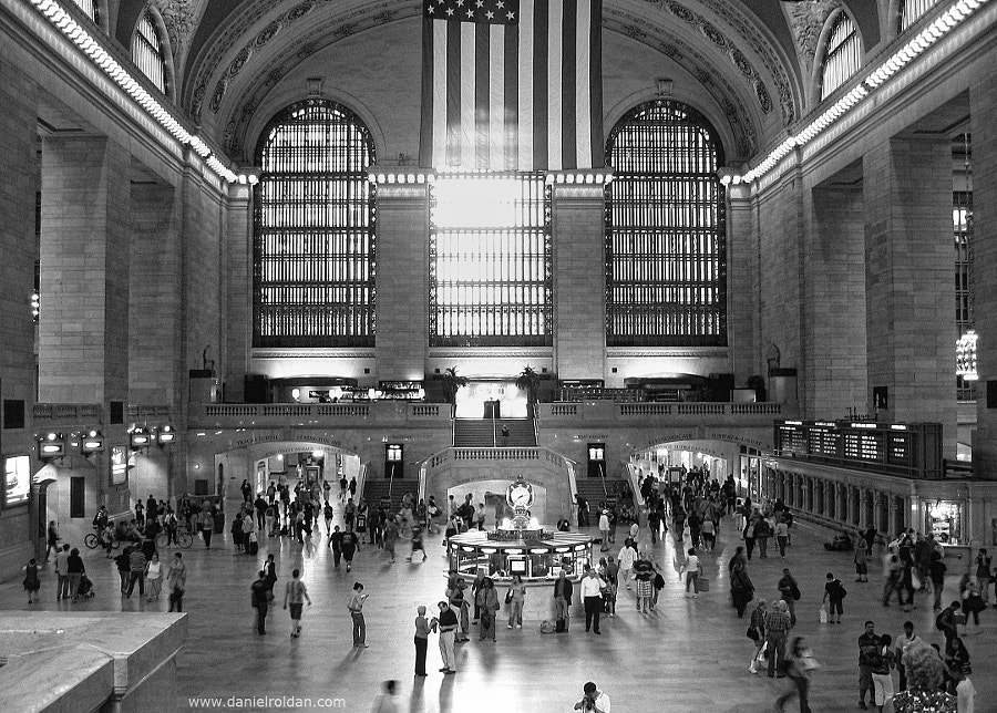 Photograph Grand Central by Daniel Roldán on 500px