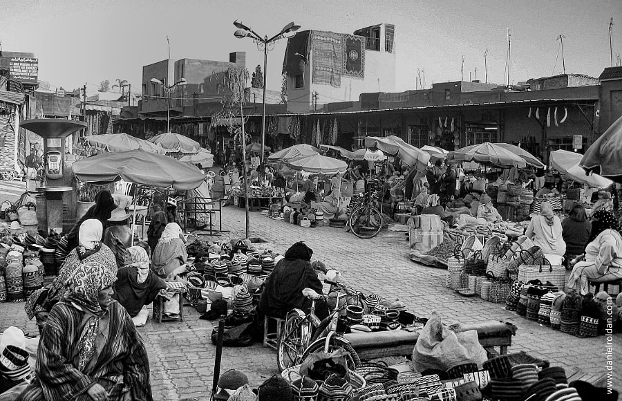 Photograph Street market by Daniel Roldán on 500px