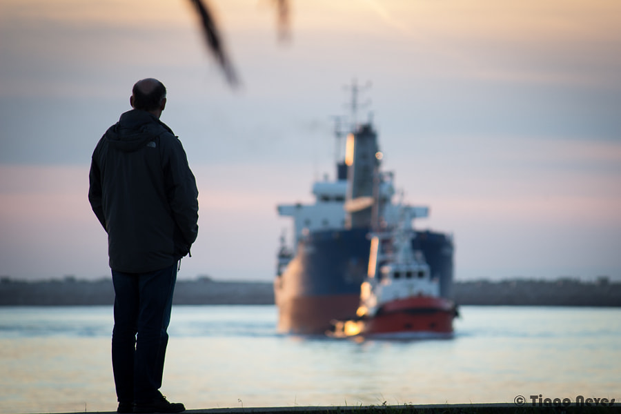Photograph Shipspotting by Tiago Neves on 500px