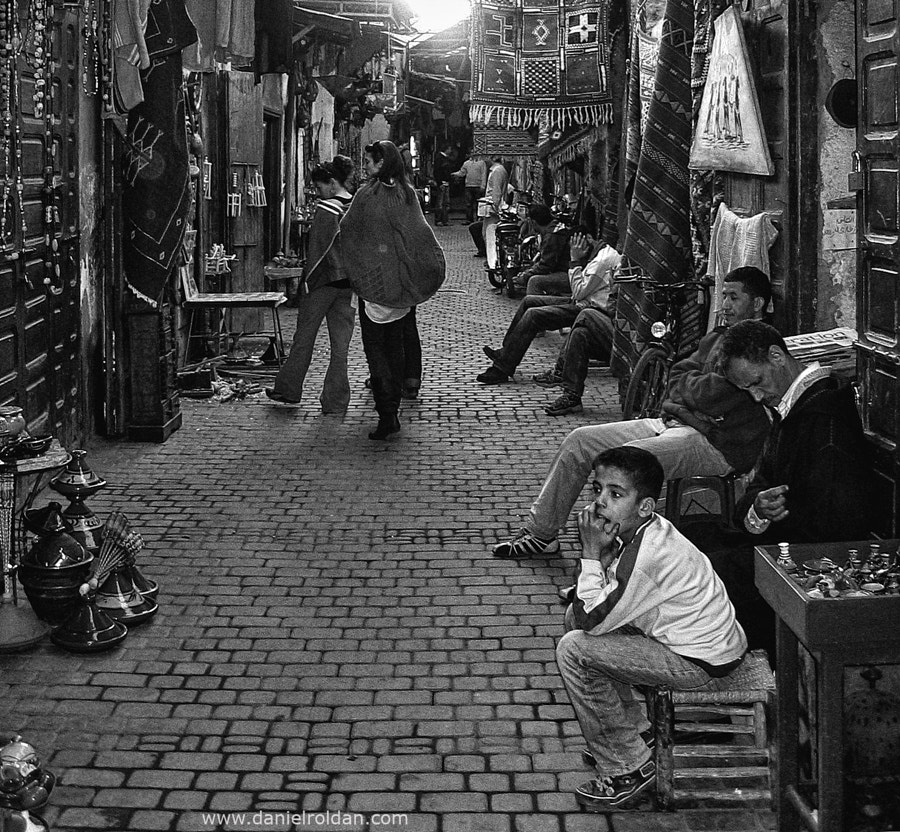 Photograph Market by Daniel Roldán on 500px