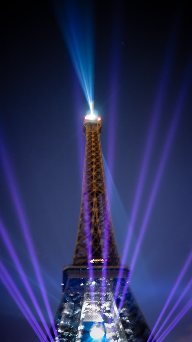 Photograph eiffel tower party 2 by Fabien Dessart on 500px