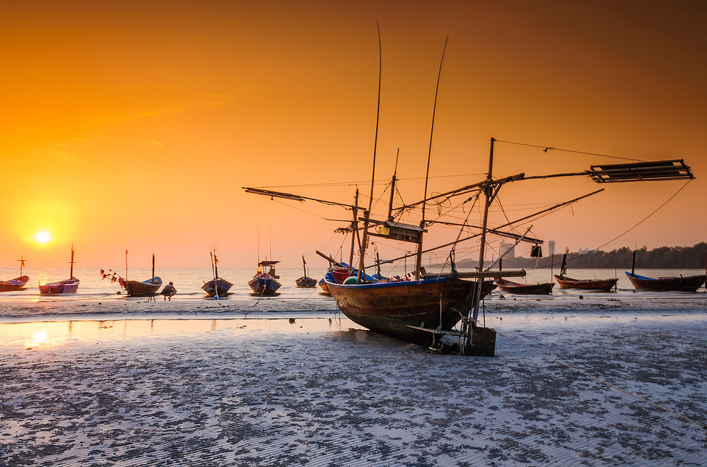 Photograph Sunset on the beach by Silaphop Pongsai on 500px