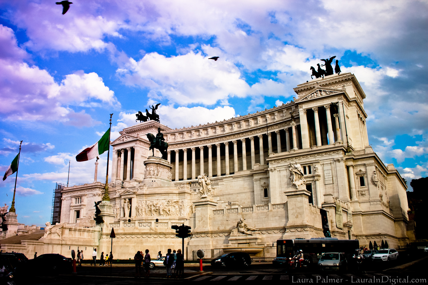 Photograph Vittorio Emanuele II Monument in Rome by Laura P on 500px