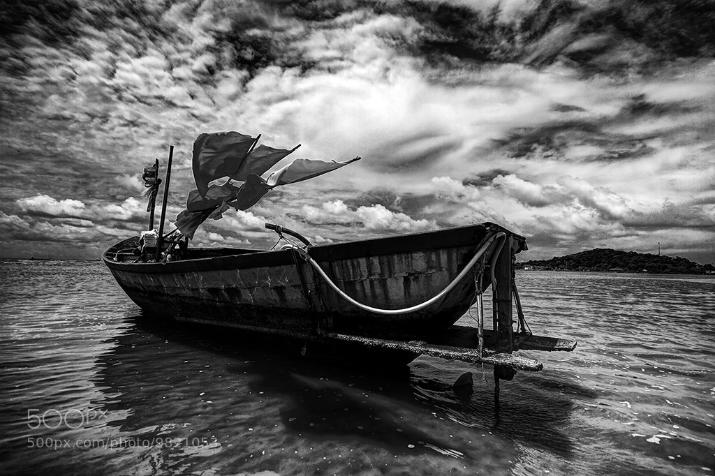 Photograph Waiting by Anuchit Sundarakiti on 500px