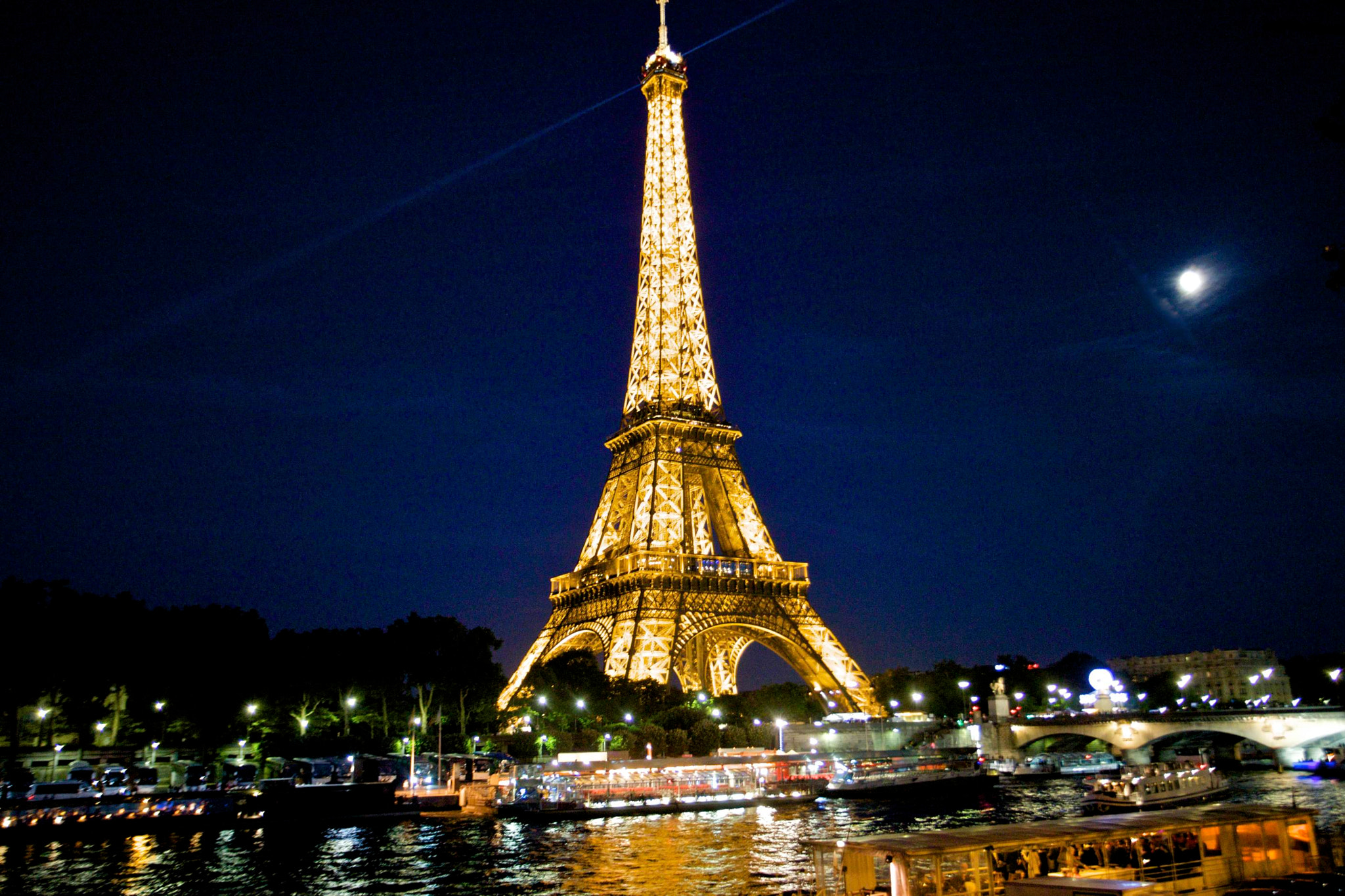 Photograph The Eiffel Tower from across the Seine by Jim Ranes on 500px