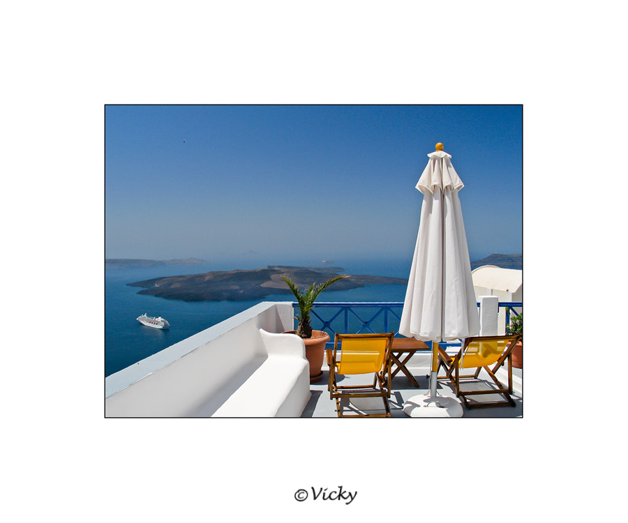 Photograph terrace with a view, Santorini by Vicky Dens on 500px