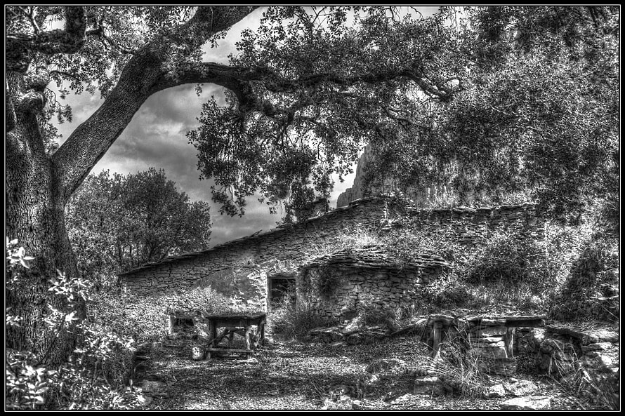 Photograph Hut by Ramon Monegal Calduch on 500px