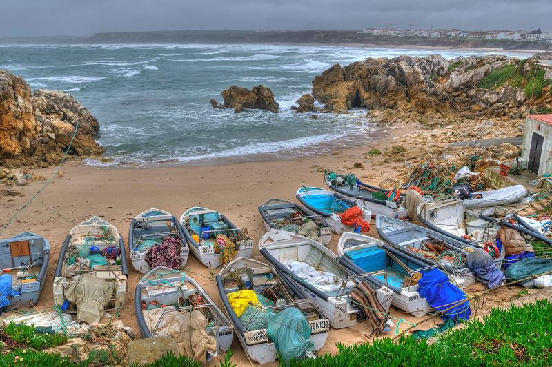 Photograph Las barcas de Peniche by Diego Revuelta on 500px
