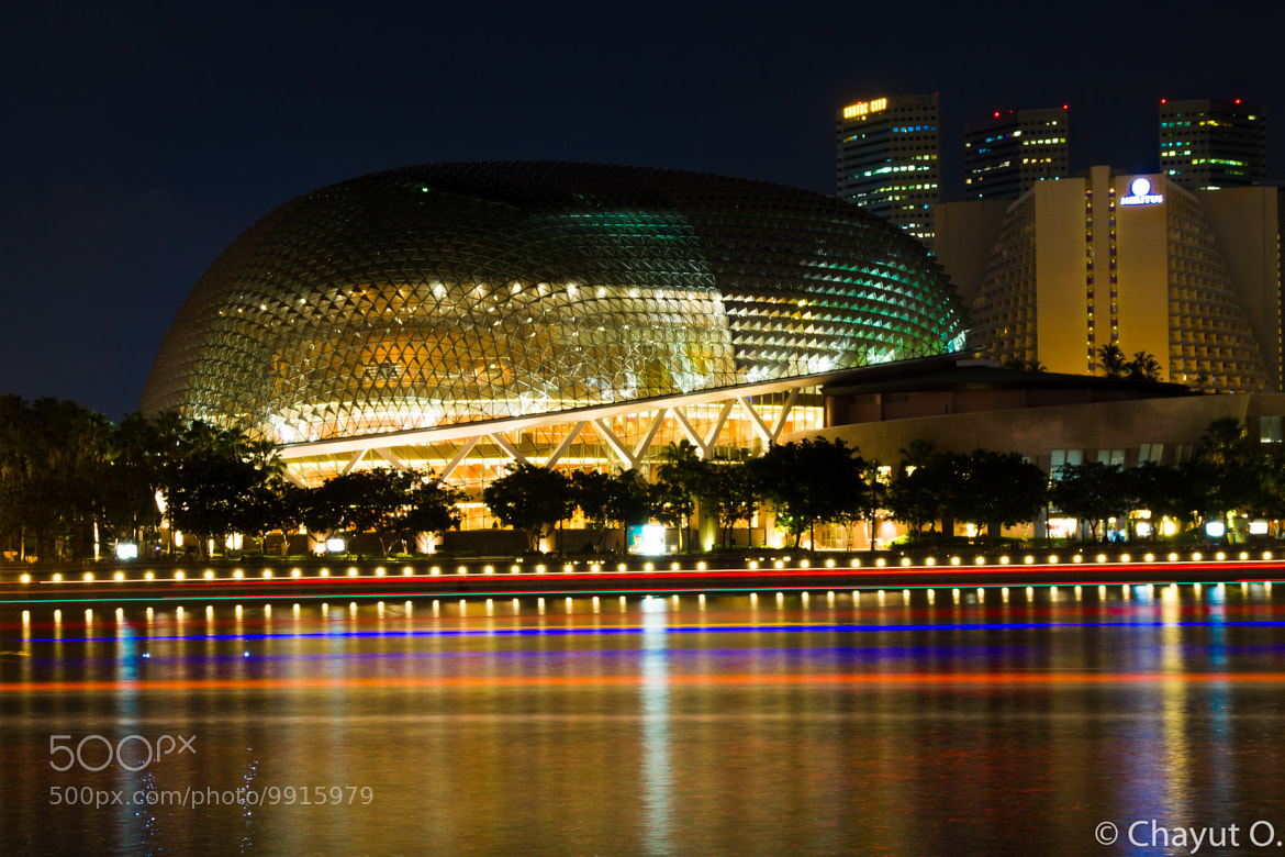 Photograph Esplanade, Durian on the bay by chayut orapinpatipat on 500px