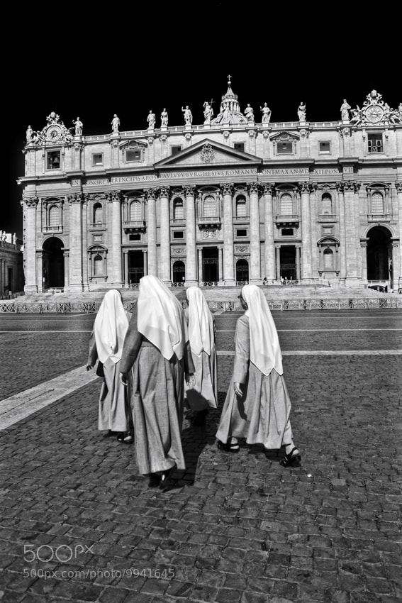 Photograph Walking Nuns in St.Peter Square by mario pignotti on 500px