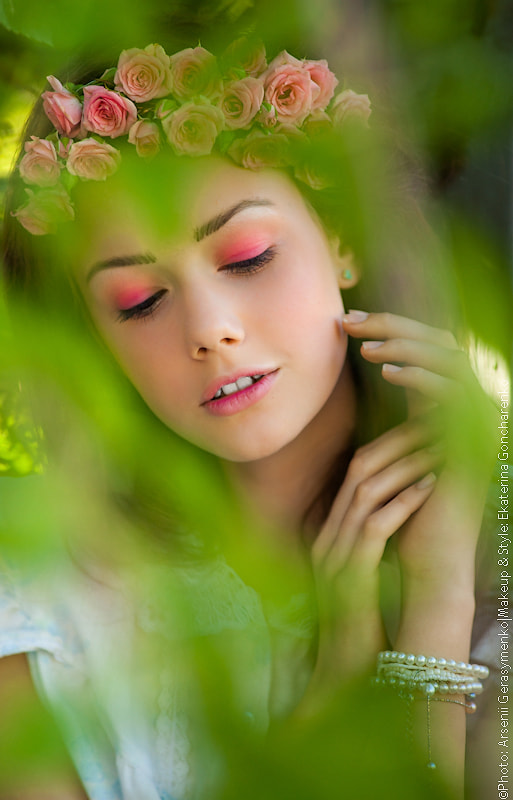 Photograph The girl with roses and green leaves by Arsenii Gerasymenko on 500px
