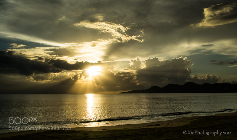 Photograph High rays at sunset by Xiomi Abad on 500px