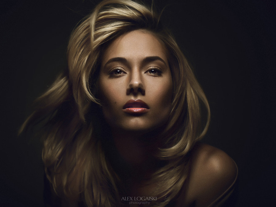 Julia by ALex Logaiski on 500px.com